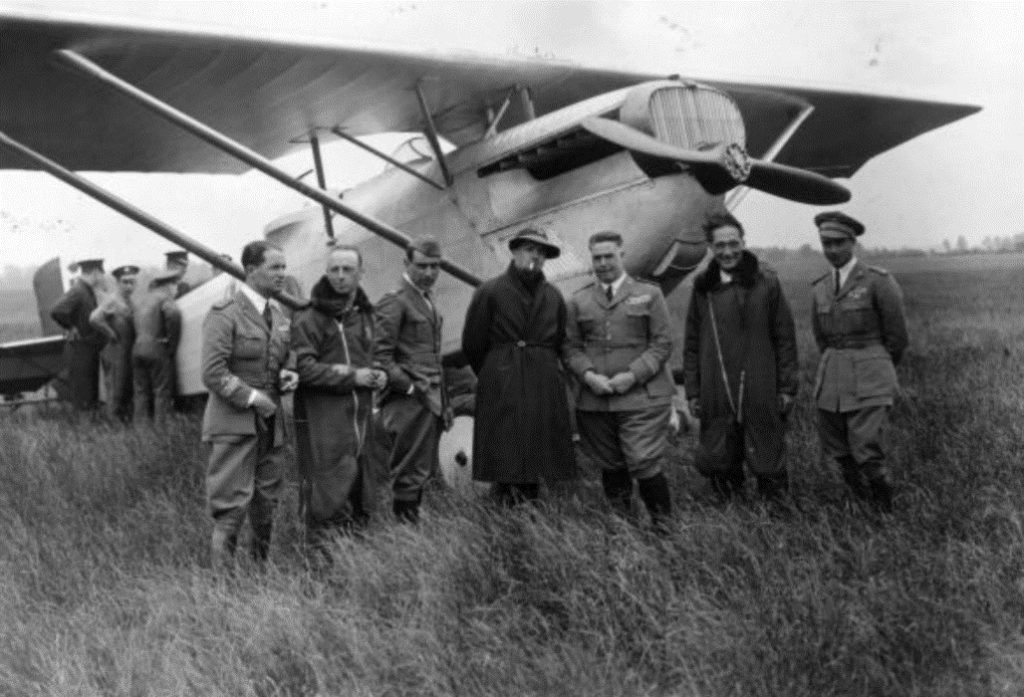 A group of the Italian flyers